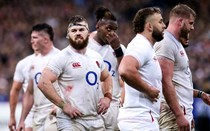 England crash to defeat in Paris